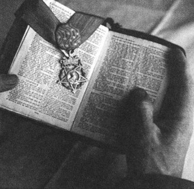 biblia-desmond-doss