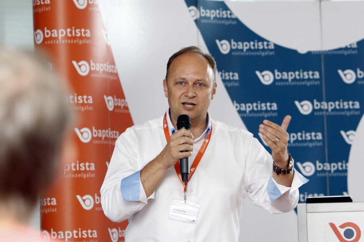 Balogh Petya: A web a miénk volt. Aztán jött a Facebook, a Google és az Apple   sportvendeglo.hu